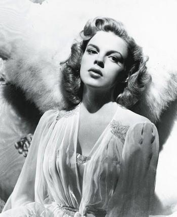 Judy Garland es Tia Matilde